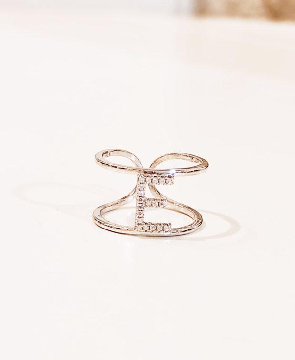 anello rigido regolabile con lettera